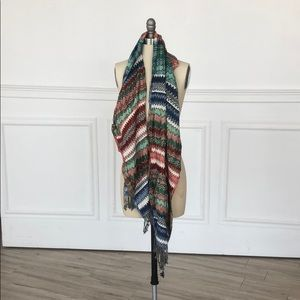 Multicolor scarf with detail